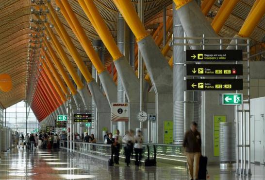T4 Aeropuerto Madrid Barajas Adolfo Suárez, España